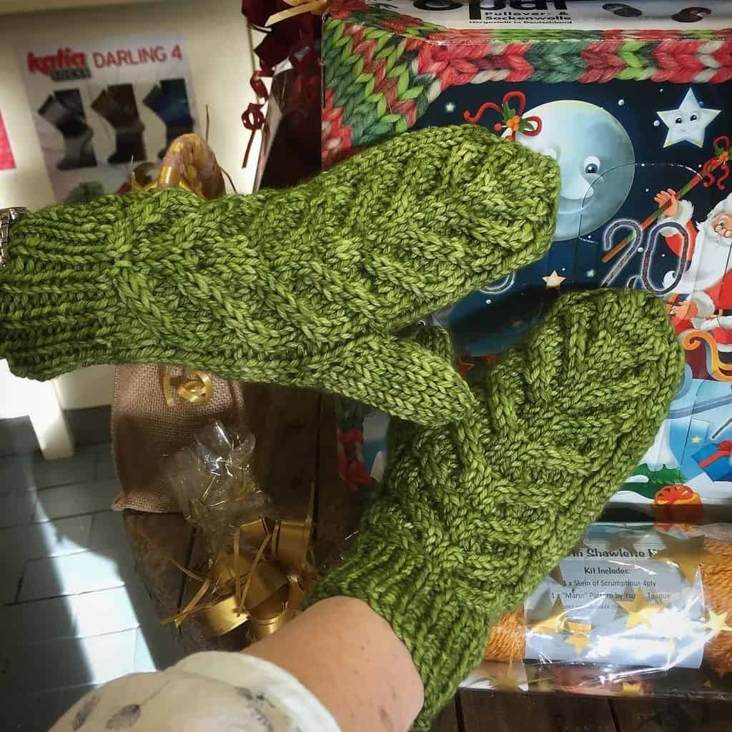 15 Knitted Gift Ideas Antler Mittens