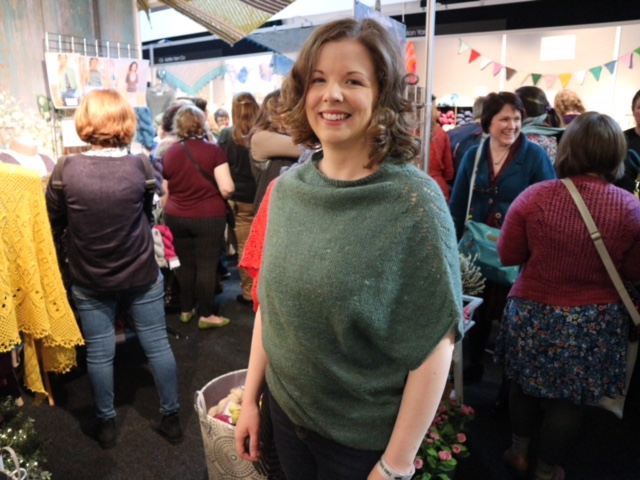 Lisa wearing Tsumuzikaze at The Fibre Co stand at EYF